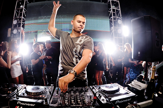 "Afrojack ukázal track ""Rock The Rock"""