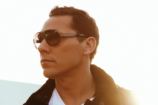 Tip na Hit: Tiesto představil remix na Gold Skies.