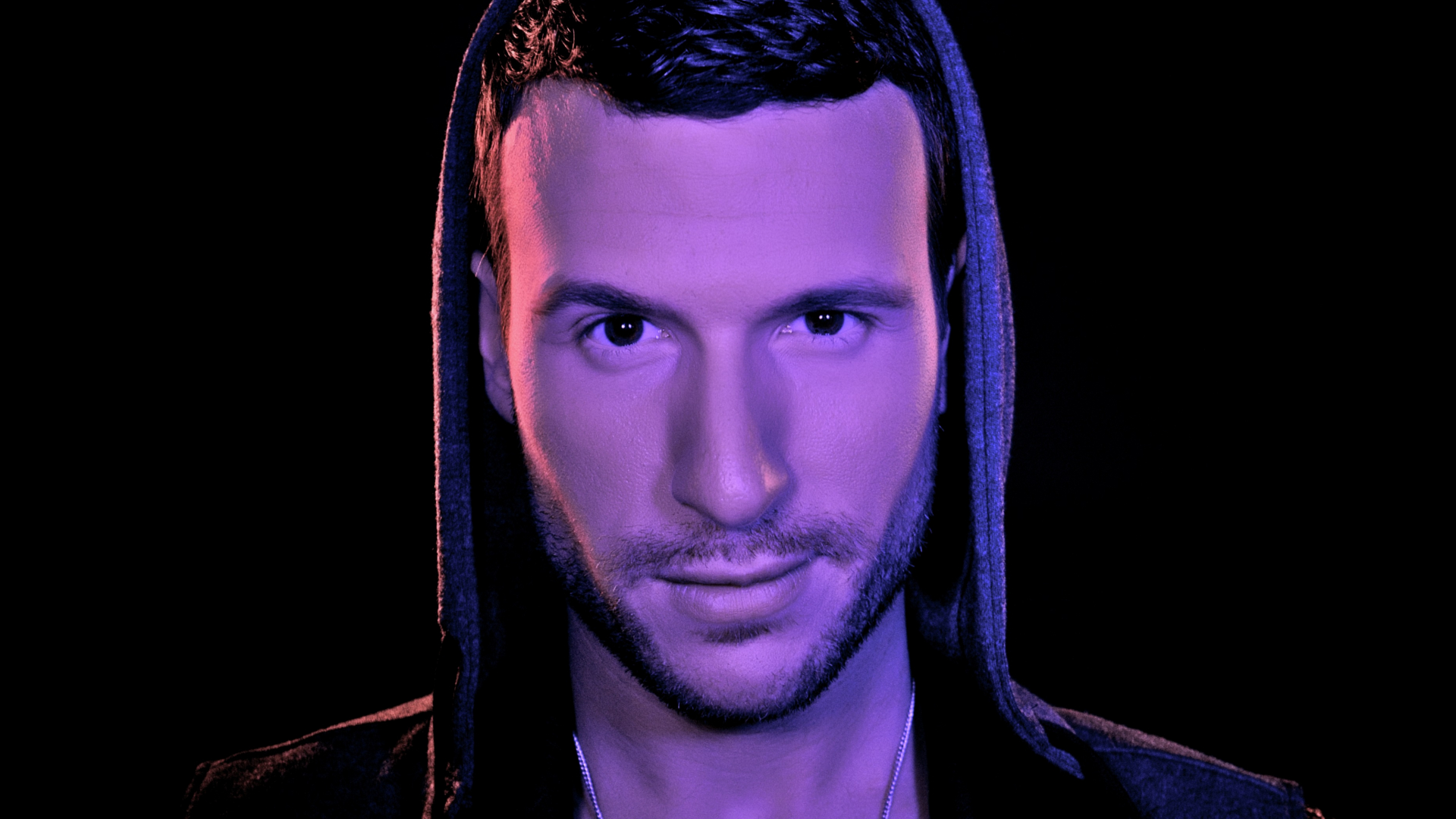 Don Diablo a jeho remix na Ready For The Weekend.