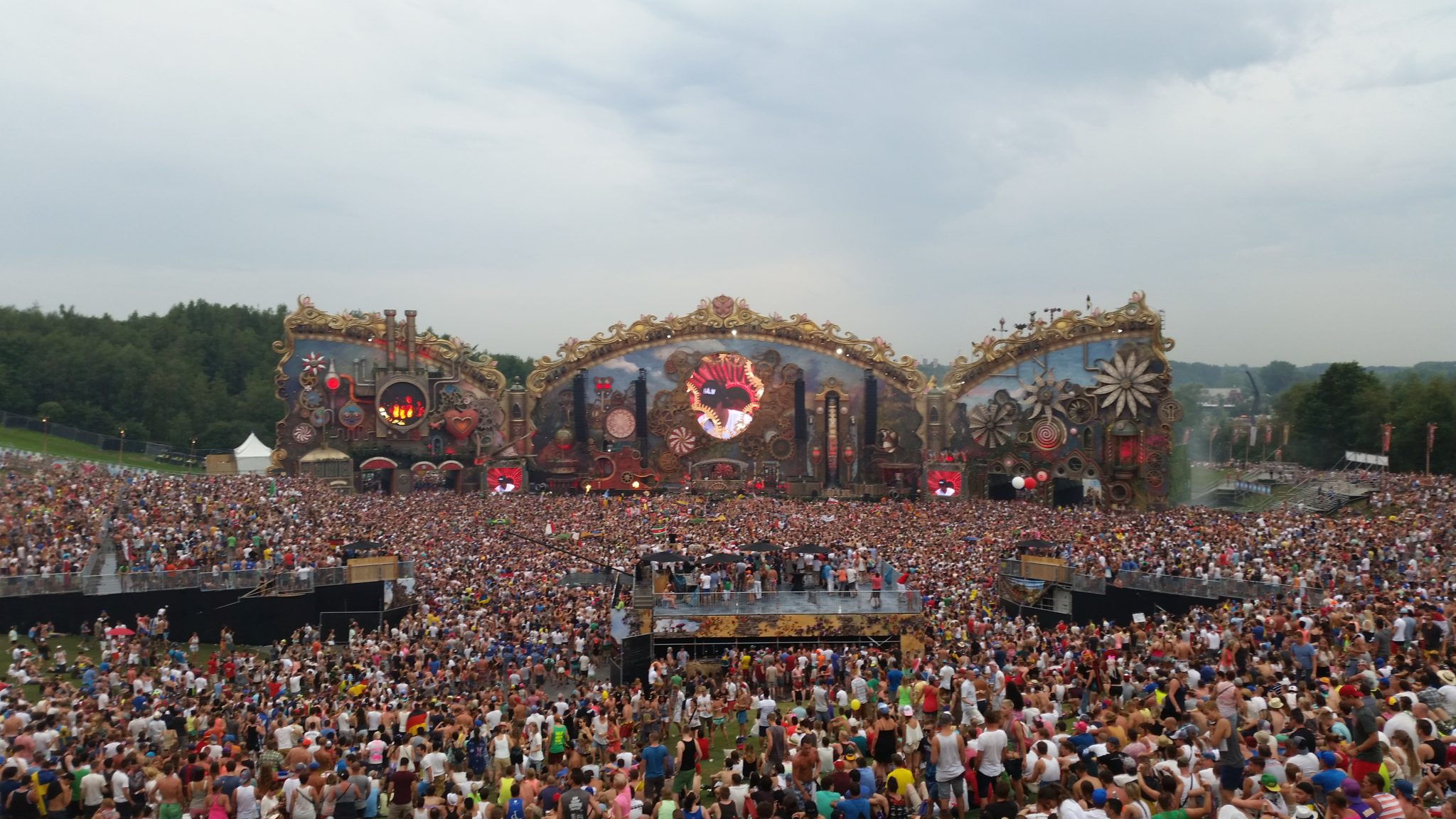 HD video sety z Tomorrowlandu 2014.