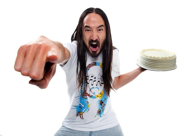 Bulvár: Steve Aoki přestává s házením dortů!