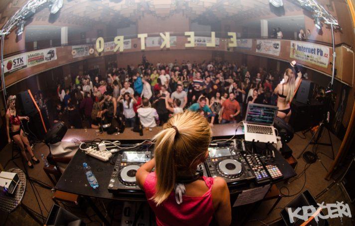 Elektro Kačeři přináší sváteční mejdan s DJ Luccou.